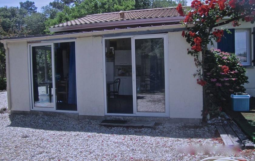 Location de vacances - Villa à Soulac-sur-Mer - entrée veranda
