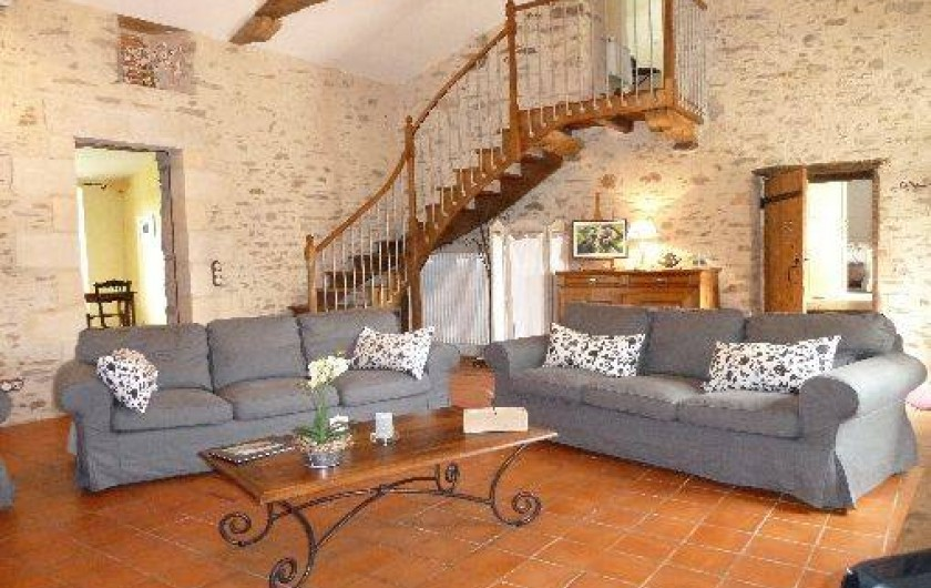 Location de vacances - Gîte à Château-Guibert - Salon desservant les 3 chambres