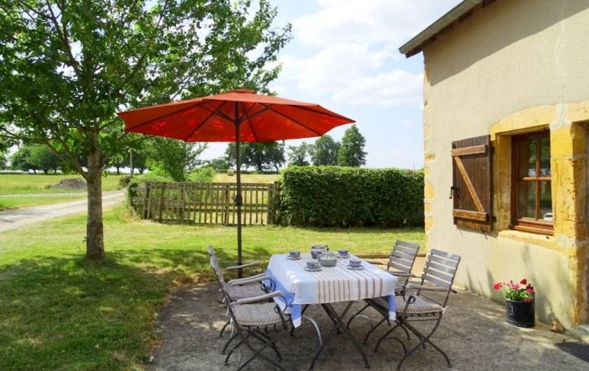 Location de vacances - Maison - Villa à Poisson - La terasse au vieux puits