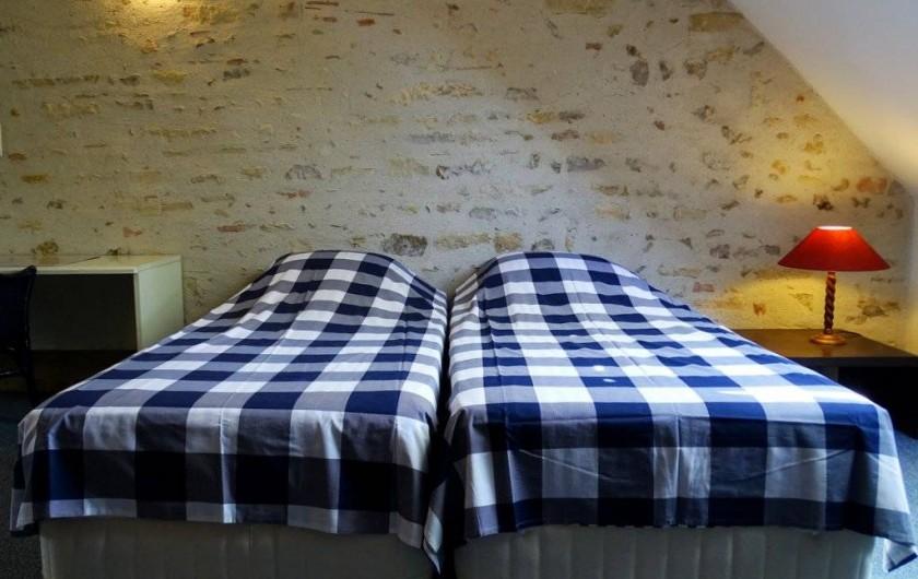 Location de vacances - Maison - Villa à Poisson - La chambre sur le genier avec les 2 lits 90x200