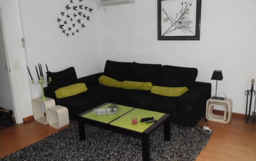Location de vacances - Appartement à L'Estartit - VUE 2 DU SALON AVEC VENTILATEUR AU PLAFOND ET CLIMATISATION