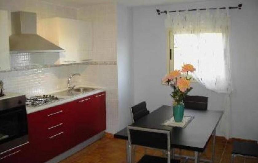 Location de vacances - Appartement à Carcaixent - Salon-cuisine vue 2