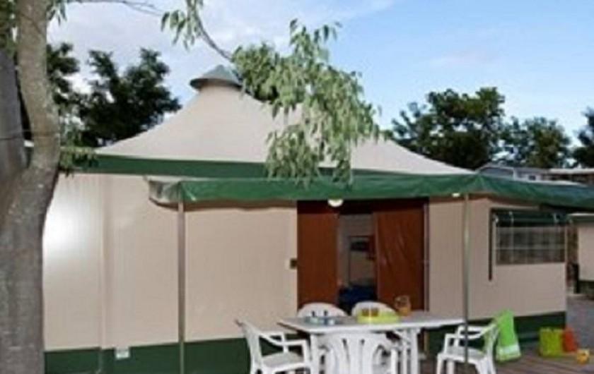 Location de vacances - Bungalow - Mobilhome à Lamastre - tente meublée Camping de retourtour 4 etoiles riviere piscine ardeche