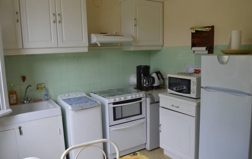 Location de vacances - Villa à Thueyts - cuisine avec électromenager