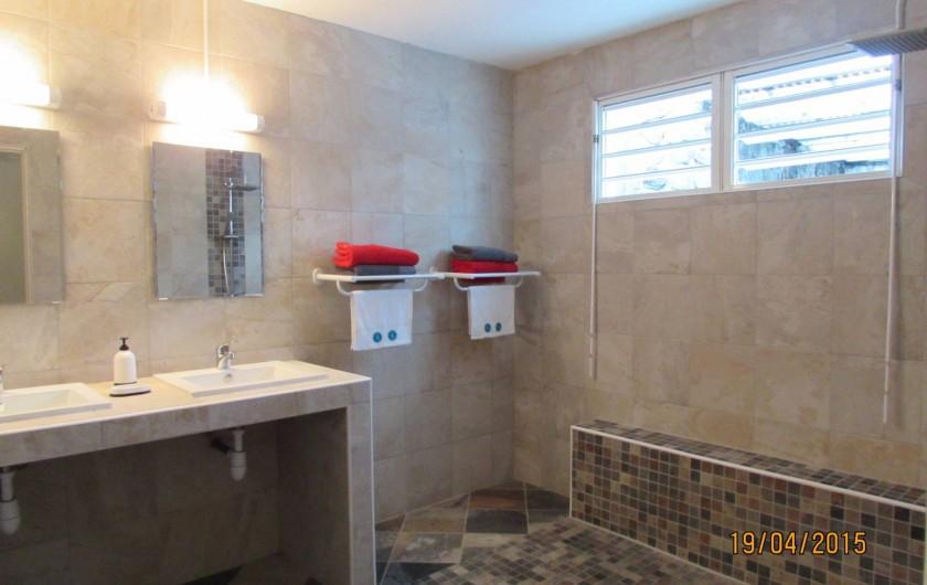 Location de vacances - Villa à Bois De Nèfles - Salle d'eau
