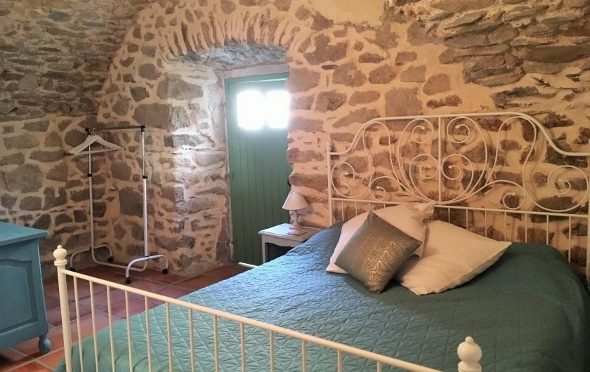 Location de vacances - Gîte à Branoux-les-Taillades - Les Acacias, (4/5 persons); chambre double.  Lit 160 x 200
