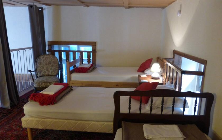 Location de vacances - Gîte à Branoux-les-Taillades - Les Citronniers; mezzanine, 3 lits