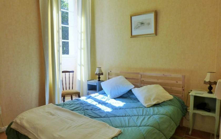 Location de vacances - Gîte à Branoux-les-Taillades - Les Chataigners.  Chambre double. Lit 160 x 200