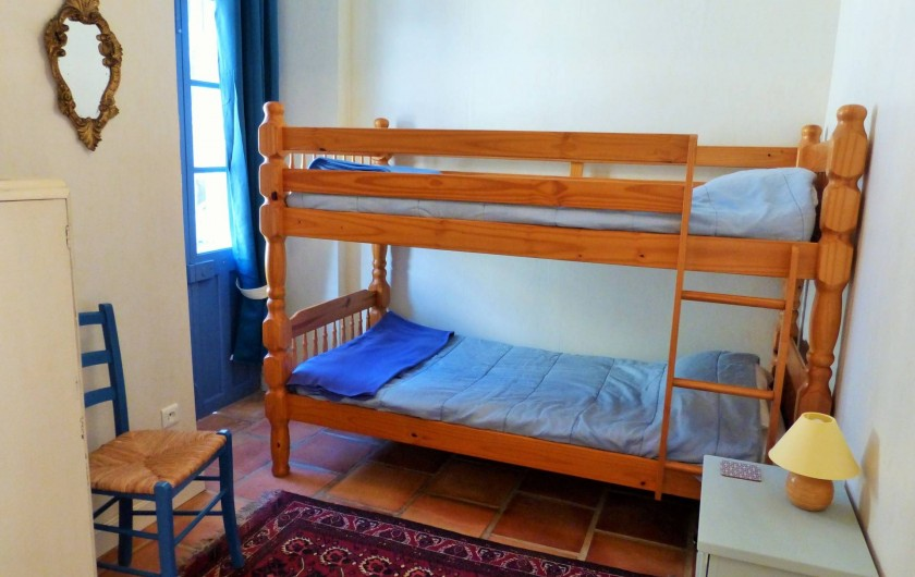 Location de vacances - Gîte à Branoux-les-Taillades - Les Chataigners. Lits superposés. 3eme lit possible