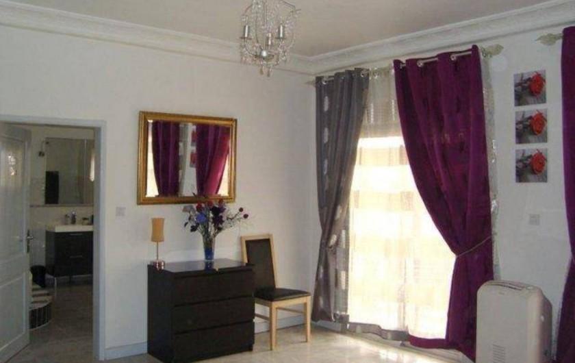 Location de vacances - Appartement à Yaoundé - Chambre Principale Apartement Dahlia 3 ch