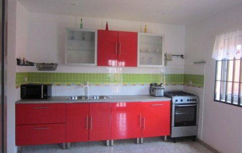 Location de vacances - Appartement à Yaoundé - Cuisine Dahlia Appartement 3 ch