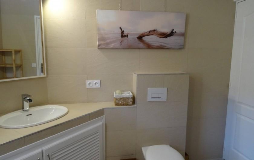 Location de vacances - Villa à Porto-Vecchio - La Salle de Bains de l'Etage avec sa douche à l'Italienne
