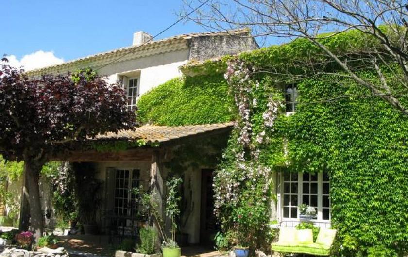 Location de vacances - Chambre d'hôtes à Saint-Geniès-de-Comolas - Le Mas Provençal
