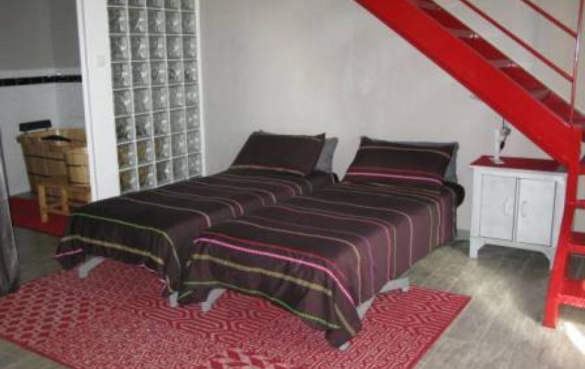 Location de vacances - Chambre d'hôtes à Saint-Geniès-de-Comolas - Loft Florent lits d'appoint