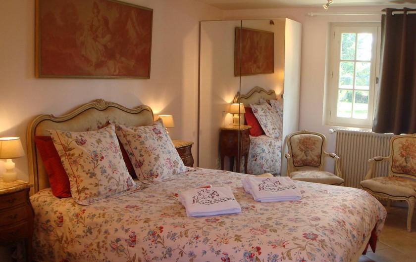 Location de vacances - Gîte à Saint-Pierre-Azif - Chaumière rez-de-jardin - Chambre_1 Floralies