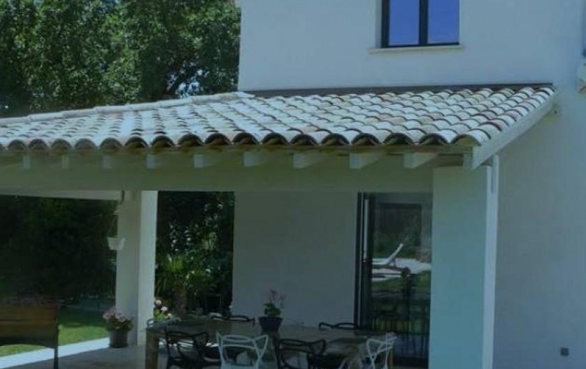 Location de vacances - Mas à Eyragues - espace terrasse extérieure