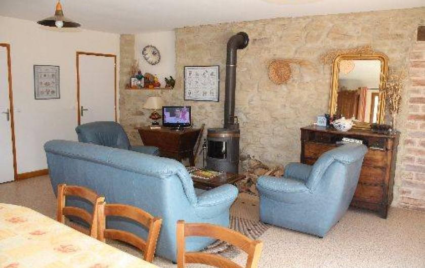 Location de vacances - Chambre d'hôtes à Saint-Lattier - coin séjour TV