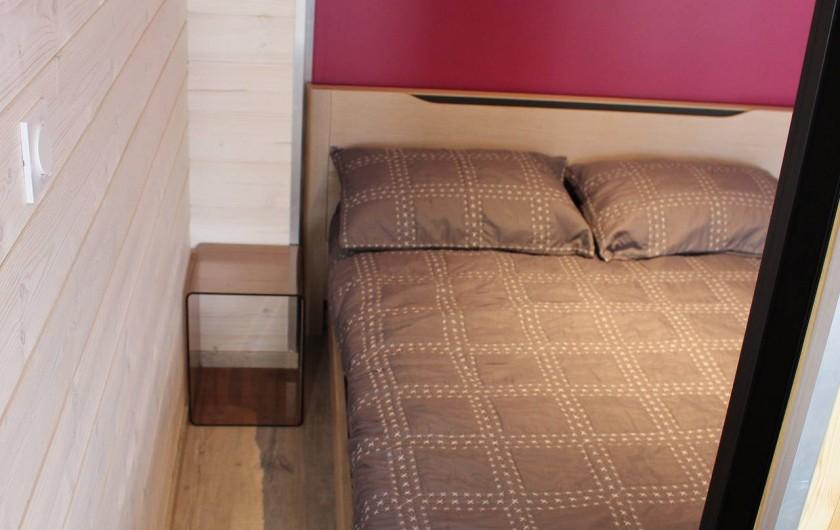 Location de vacances - Appartement à Tignes - Chambre 1 avec lit 140/190.