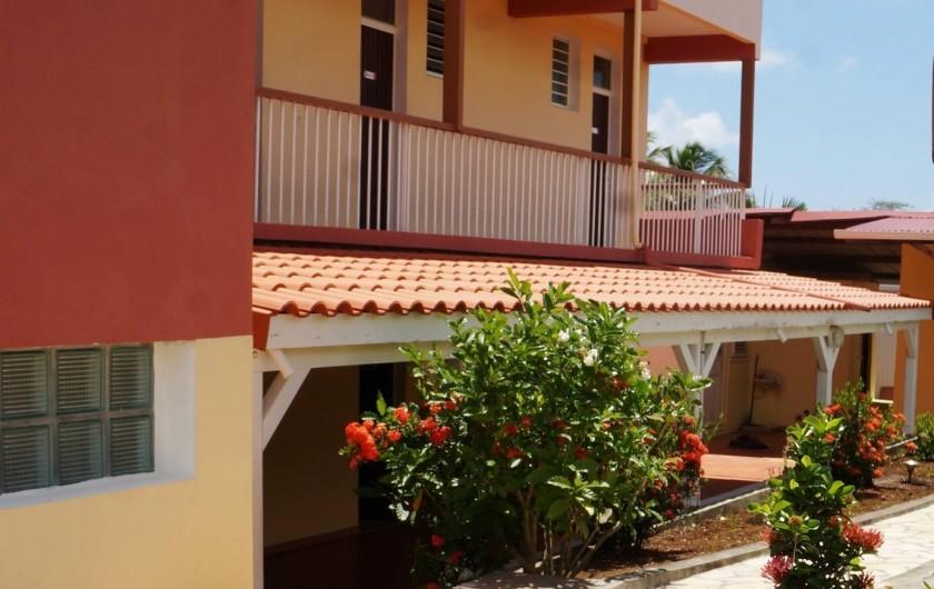 Location de vacances - Studio à Le Vauclin - Façade ouest de la Résidence Macabou