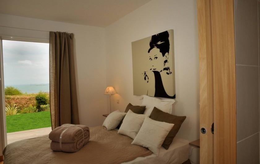 Location de vacances - Villa à Roscoff - chambre avec un grand lit