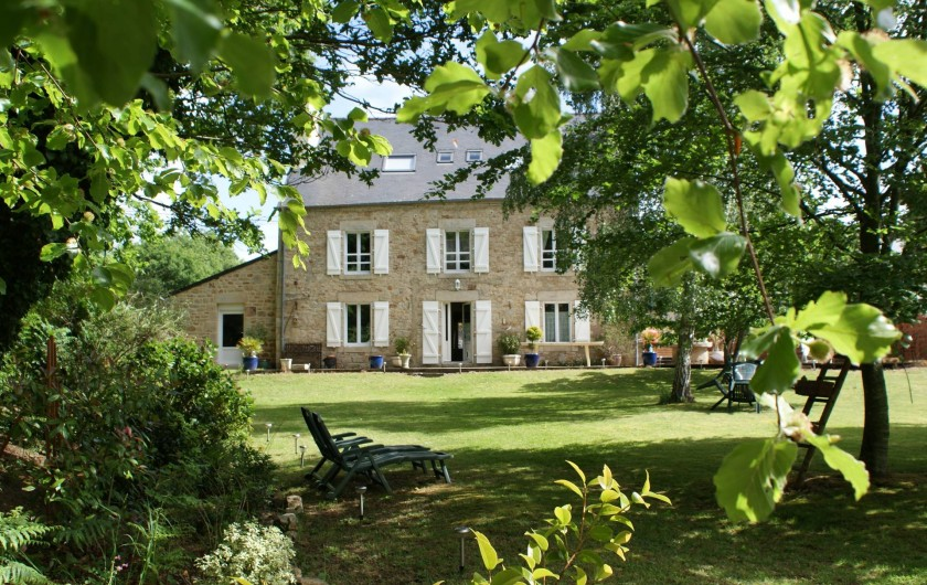 Location de vacances - Chambre d'hôtes à Melrand - Vue du petit parc