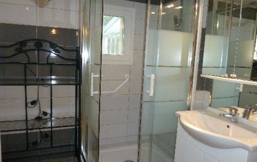 Location de vacances - Villa à Pernes-les-Fontaines - salle de bain