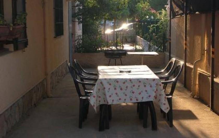 Location de vacances - Villa à Empuriabrava - la terrasse ombragé
