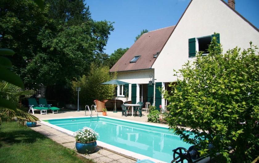 Location de vacances - Chambre d'hôtes à Maisons-Laffitte - La piscine des Hibiscus