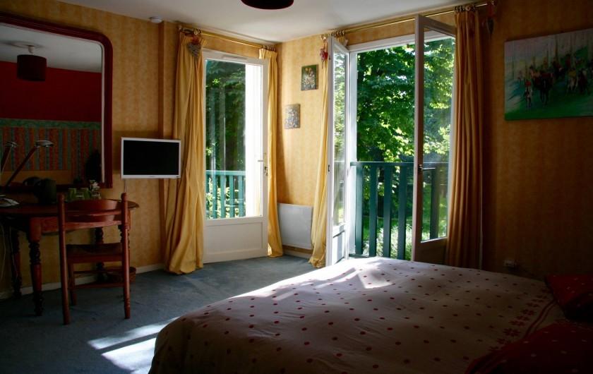 Location de vacances - Chambre d'hôtes à Maisons-Laffitte - La 2ème chambre d'hôtes de 17 m² avec vue sur le parc