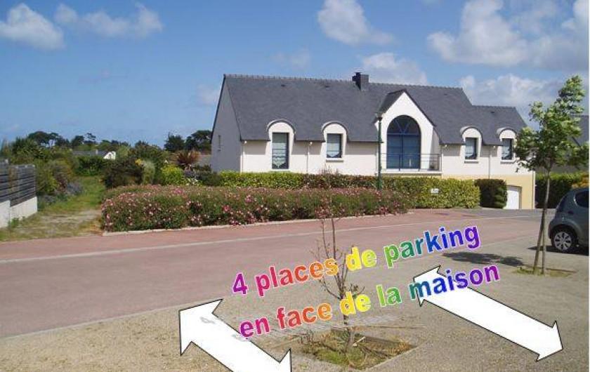Location de vacances - Gîte à Saint-Pol-de-Léon - Le parking privé