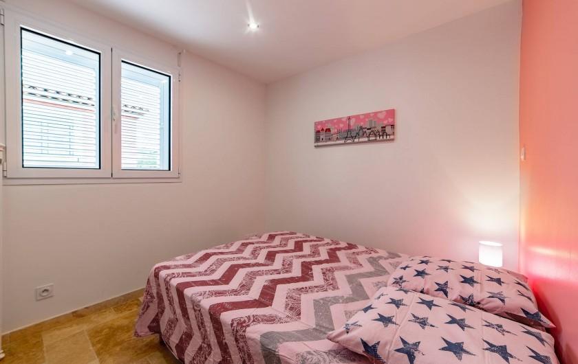 Location de vacances - Villa à Sainte-Maxime - chambre rose