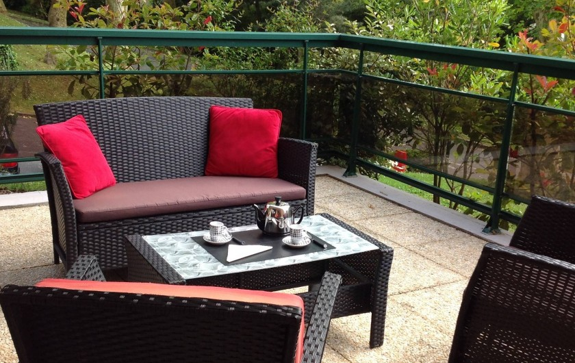 Location de vacances - Appartement à Biarritz - Salon terrasse