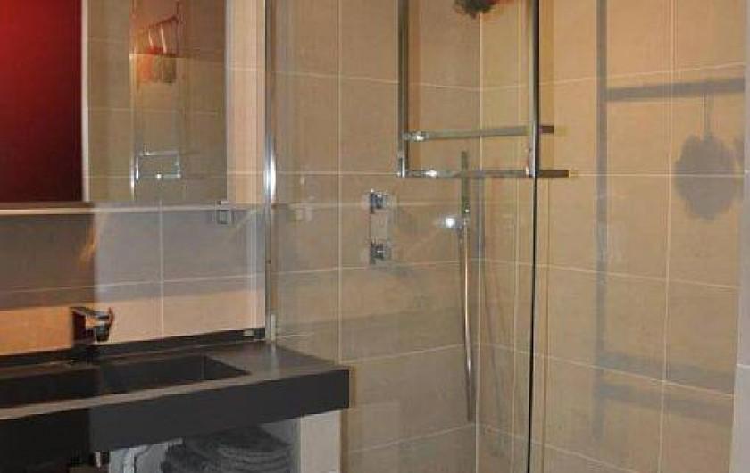 Location de vacances - Appartement à Biarritz - Salle de bain avec douche Italienne