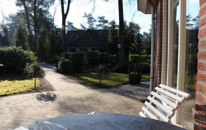 Location de vacances - Chalet à Beekbergen - terras bij voordeur