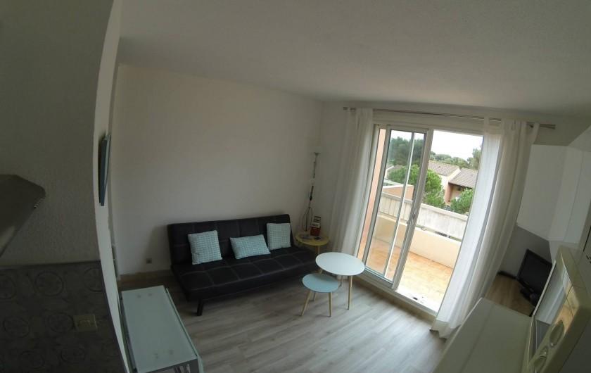Location de vacances - Appartement à Carry-le-Rouet - pièce à vivre avec clic clac