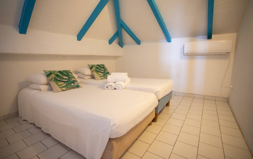 Location de vacances - Villa à Sainte-Anne - 3ème CHAMBRE OUVERTE EN MEZZANINE FOUFOU