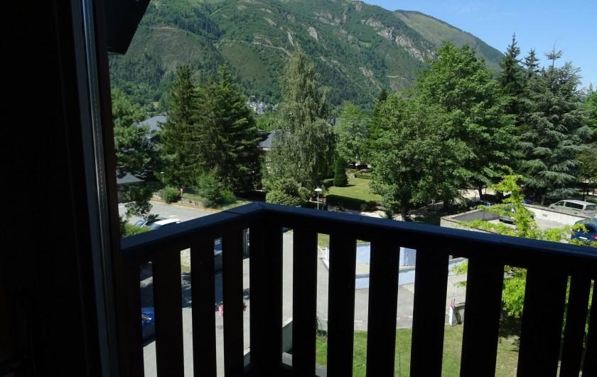 Location de vacances - Appartement à Saint-Lary-Soulan - balcon vue chambre 3