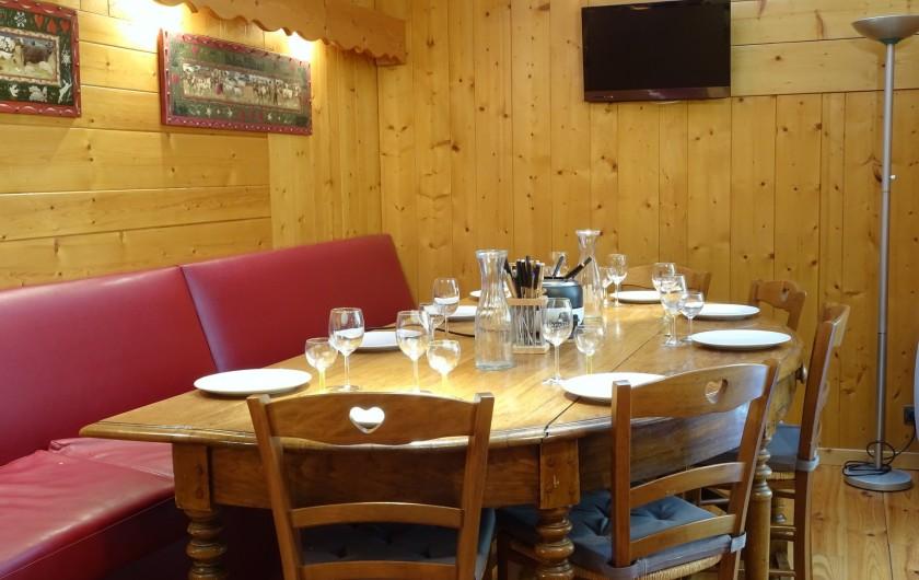 Location de vacances - Appartement à Saint-Lary-Soulan - Grande table conviviale