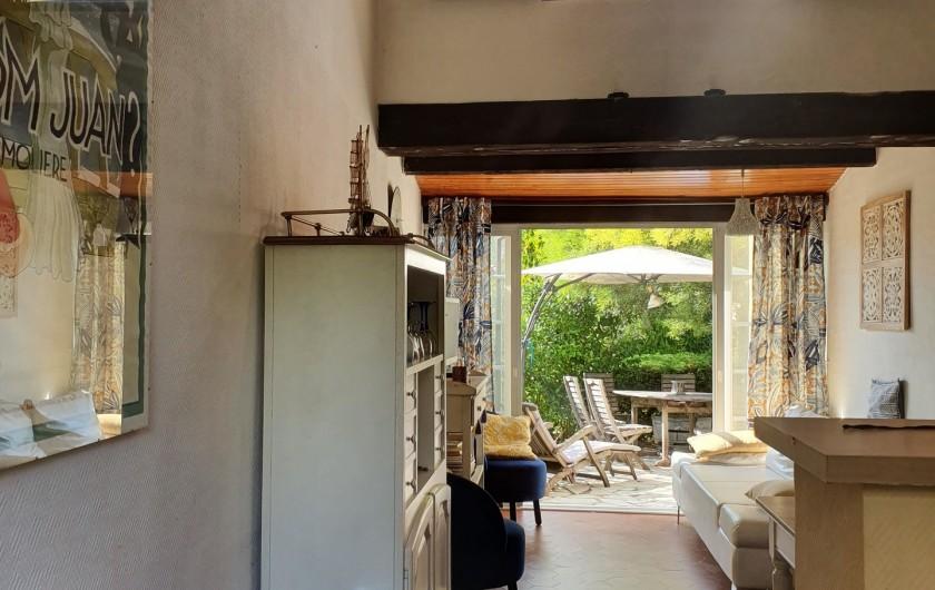 Location de vacances - Mas à Grasse - Vue à partir de l'entrée