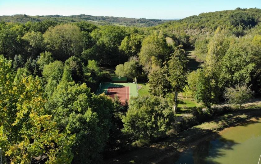 Location de vacances - Maison - Villa à Payrac - Le tennis du Colombié   (à 250 m de la maison OWI)