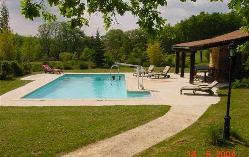 Location de vacances - Maison - Villa à Payrac - La Piscine privée avec Sauna et table de Pingpong