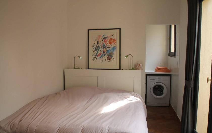 Location de vacances - Appartement à Cogolin - Chambre patio