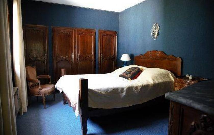 Location de vacances - Mas à Paradou - Chambre 2 avec de nombreux placards et rangements