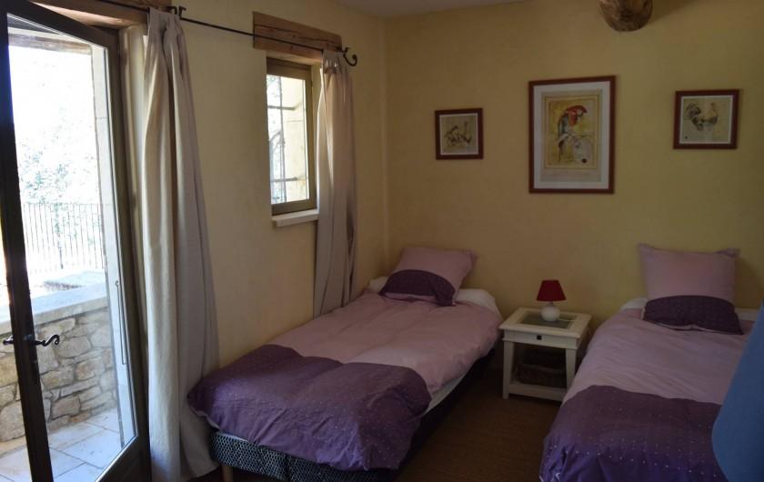 Location de vacances - Mas à Foissac - chambre a 2 lits simples