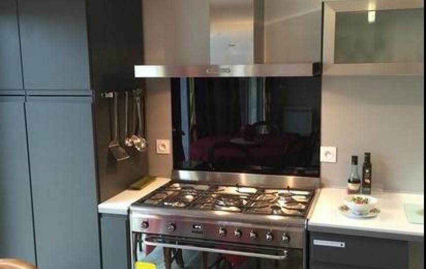Location de vacances - Gîte à Saint-Vérand - cuisine avec frigo américain