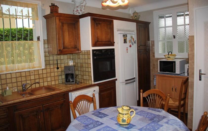 Location de vacances - Villa à Mazan - possibilité de déjeuner à 8 dans la cuisine