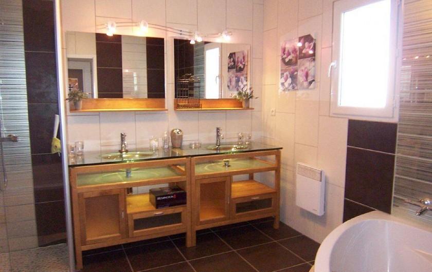 Location de vacances - Villa à Bouillargues - Salle de bain et douche a l'italienne