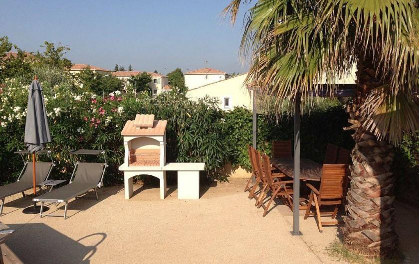 Location de vacances - Villa à Bouillargues - Barbecue, terrasse pour 8 personnes, transat avec pare soleil