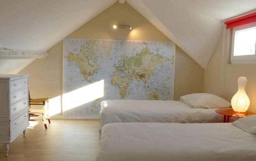 Location de vacances - Appartement à Fontain - Chambre double : très belle vue depuis la fenêtre