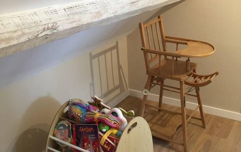 Location de vacances - Appartement à Fontain - Chaise haute et jeux pour enfants